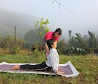 Cùng nhau học yoga giữa thiên nhiên