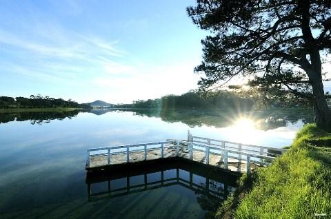 Mộng mơ bên Hồ
