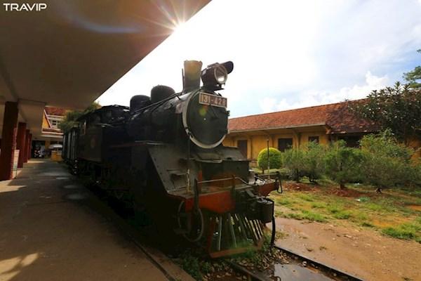 Đầu máy xe lửa cổ trưng bày, không hoạt động