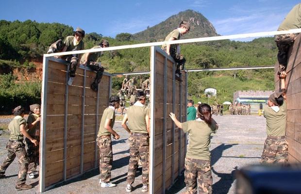 Tham gia huấn luyện kỹ năng tại khu Trung tâm huấn luyện dã ngoại dưới chân núi