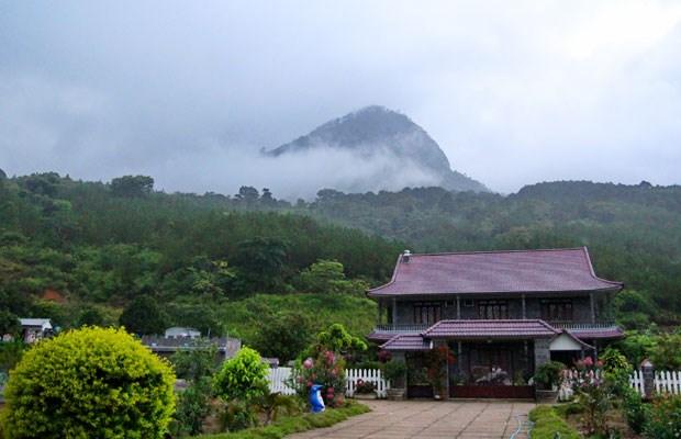 Một góc khu du lịch dã ngoại núi Voi