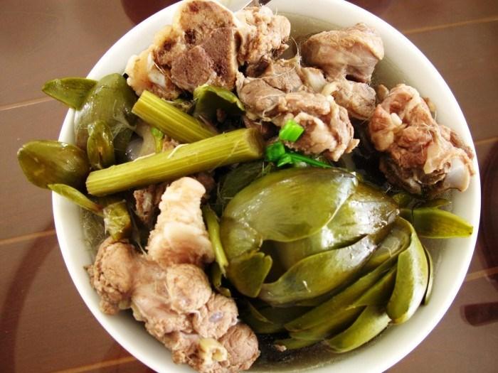 Canh atiso hầm giò heo là 1 trong 50 món ăn ngon nhất Việt Nam