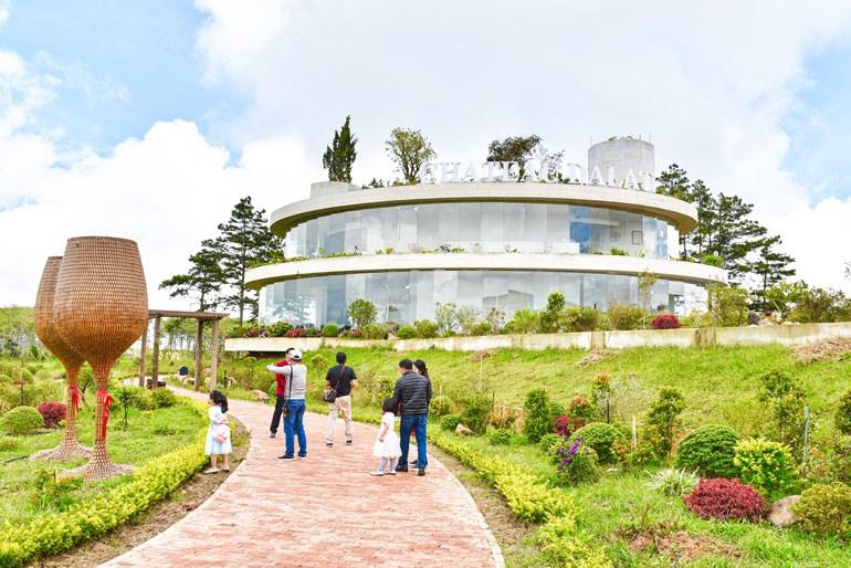 Hầm Vang Đà Lạt - Điểm Du lịch đầu tiên của tỉnh Lâm Đồng theo Luật Du lịch