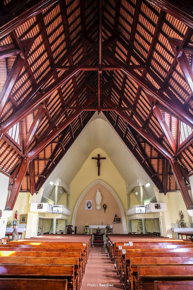 Ngoài nhà nguyện và hai dãy tu viện, các cơ sở khác đã được sử dụng cho các mục đích công ích